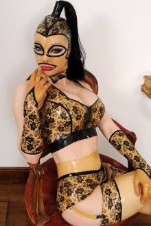 Model Latex Lucy