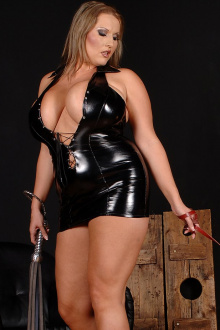 Model Mistress Laura