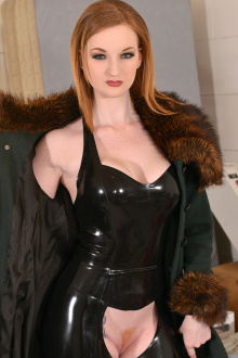 Model Zara DuRose