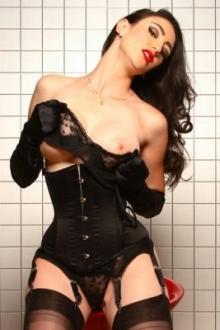 Model Natalie Minx